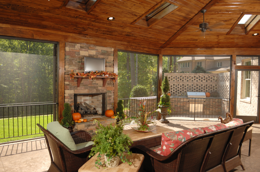 Pros & Cons of Retractable Screens | Ambit Energy